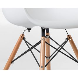 Culty Bílá plastová židle DAW s přírodní bukovou podnoží