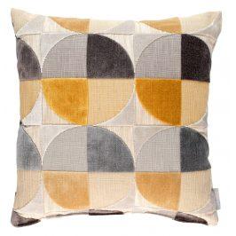 Okrový polštář ZUIVER CLUB s geometrickými vzory