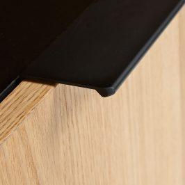 Matně černý dubový TV stolek LaForma Savoi 120 x 45 cm