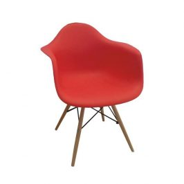 Designové trendy křeslo v kombinaci dřeva buk a plastu červené barvy TK190